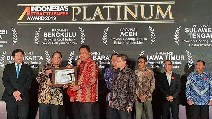 Gubernur Olly Sabet Penghargaan Indonesia Attractiveness Award, Raih Kategori Gold dan Platinum