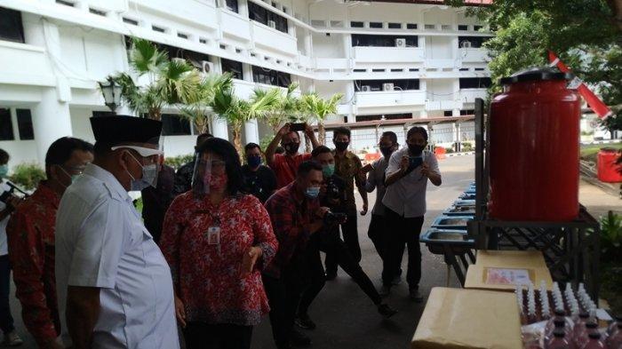 Gubernur Olly Tinjau Hasil Produksi Produk Pencegah Covid-19, Siap Kucur Modal UMKM