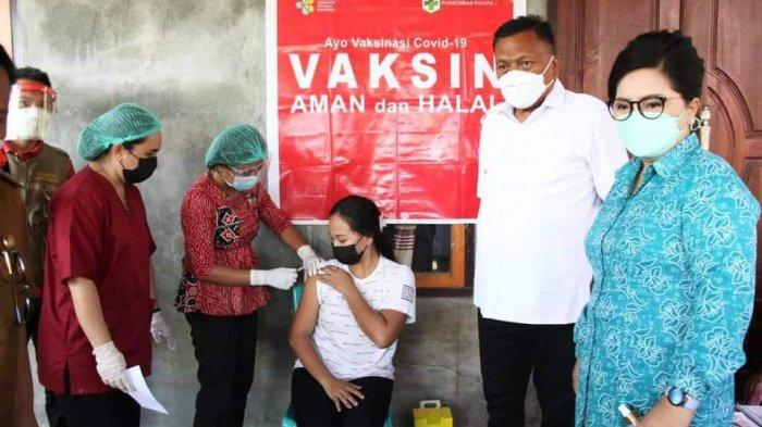 Gubernur Sulawesi Utara Olly Dondokambey bersama Istri Rita Rita Maya Tamuntuan tinjau Vaksinasi Covid-19