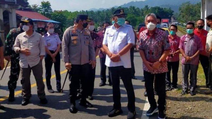 Olly Pantau Pos Perbatasan Minsel Bolmong, Bupati Franky Tegur Camat Sinonsayang yang Terlambat