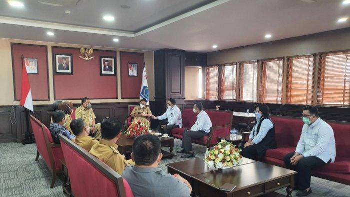 Gubernur Sulut dan Bupati Se-sulut Diskusi dengan Jajaran PLN Suluttenggo