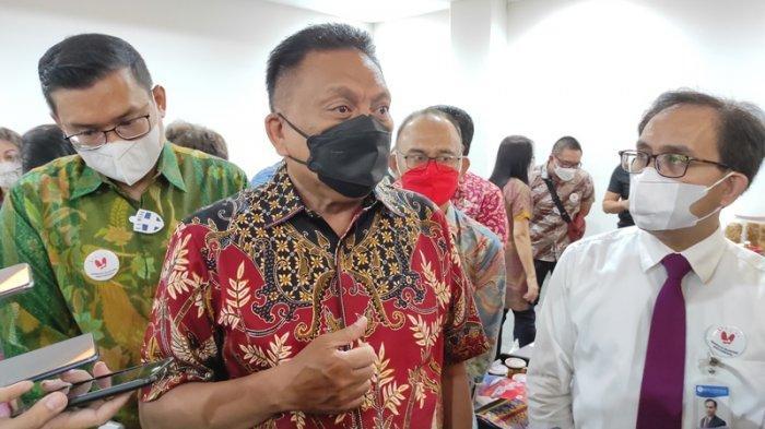 Gubernur Sulut, Olly Dondokambey hadir di Kurasi Produk UMKM Bangga Buatan Indonesia Sulawesi di Grand Whiz Manado, Kamis (27/05/2021).
