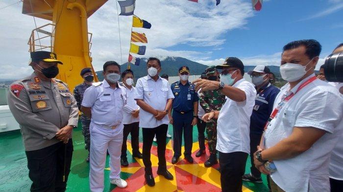 Gubernur Olly Dondokambey Jamin Kenyamanan Warga Isoter di KM Tatamailau Bitung