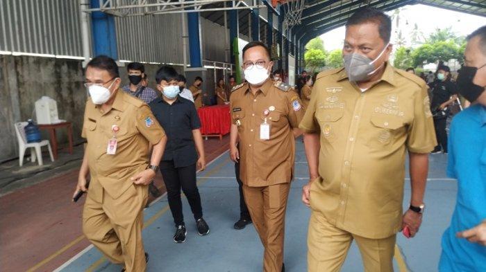 Olly Dondokambey 'Todong' Wali Kota Bitung, Cek Pembayaran Honor Tenaga Kesehatan