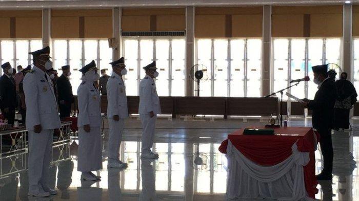 Gubernur Sumatera Utara Edy Rahmayadi melantik dua pasangan kepala daerah hasil Pilkada Serentak 2020 di Aula Tengku Rizal Nurdin, Rumah Dinas Gubernur Sumut, Kamis (22/7/2021).