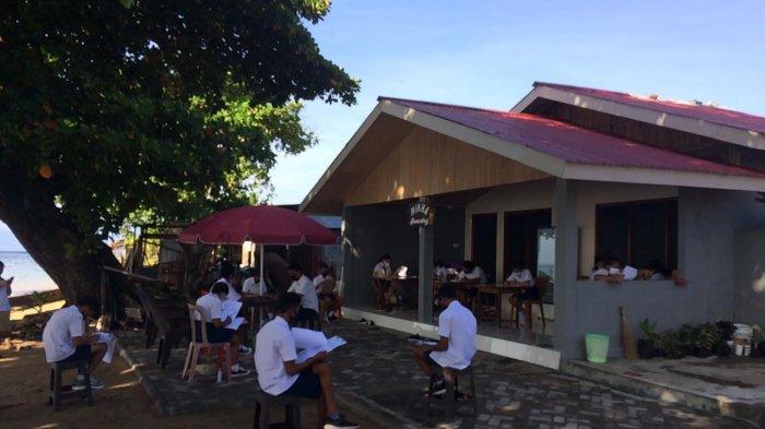 Kisah Guru THL di Kepulauan, Belum Gajian, Pinjam Uang Untuk Ongkos Perahu, Ajari Siswa di Kebun