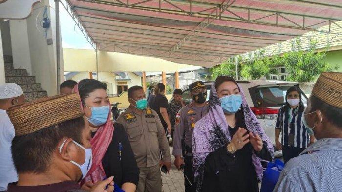 Hillary Brigitta Lasut membuka kegiatan Pasar Murah yang bertempat di Kecamatan Beo, Kabupaten Kepulauan Talaud, Provinsi Sulawesi Utara, Rabu (11/05/2021)
