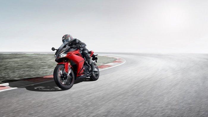 Honda DAW menggelar promo cashback hingga Rp 8 jutaan untuk pembelian sepeda motor premium Honda.