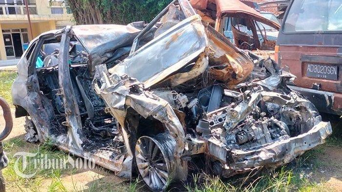 Kecelakaan Maut Tadi Subuh Pukul 03.42 WIB, Sopir Jazz Tewas, Mobil Ringsek & Terbakar Usai Tabrakan