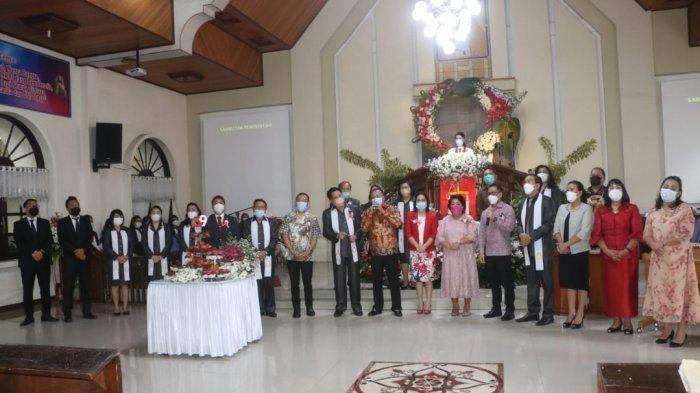 Wakil Wali Kota Tomohon Wenny Lumentut Hadiri Ibadah HUT ke-39 GMIM Kakaskasen Maranatha