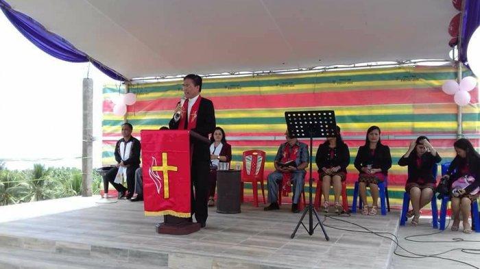 Ibadah Kenaikan Yesus, Pdt Sompe Minta Jemaat GMIM Imanuel Bahu Senantiasa Bersukacita