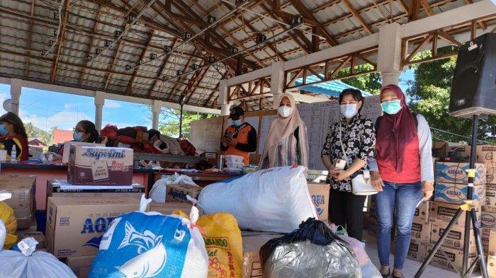 Persatuan Istri Tentara Dim 1310 Bantu Korban Kebakaran Pasar Tua Bitung