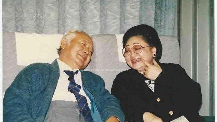 Presiden Soeharto Pasang Badan Wujudkan Mimpi Ibu Tien Bangun TMII,