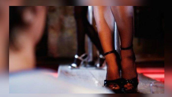 Polisi Tangkap Dua Orang Wanita Saat Akan Layani Tamu Khusus Layanan Tiga Orang Sekali Main