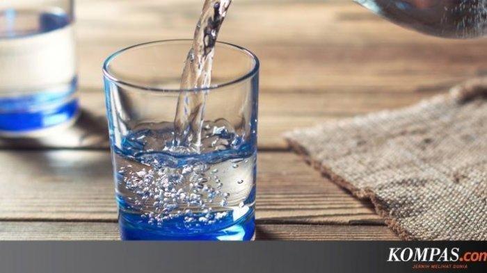 Berapa Banyak Air Putih yang Perlu Kita Minum dalam Sehari?