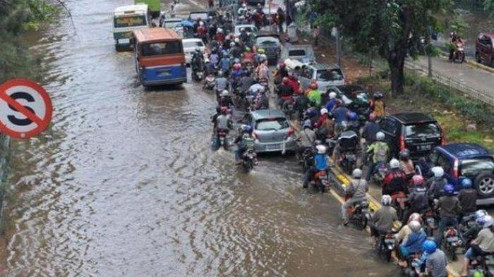Jakarta Terendam Banjir Pagi Ini Diguyur Hujan Semalam, Berikut Daftar Ruas Jalan Terdampak Banjir