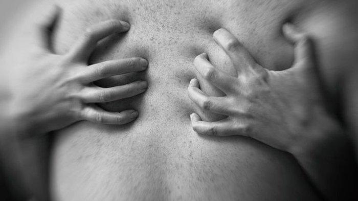 Demi Beli Obat, Suami Tega Jual Istri dan Bermain Tiga dengan Lelaki Hidung Belang
