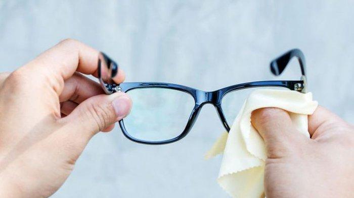 Cara Membersihkan Kacamata Yang Benar Sudah Benarkah Yang Anda Lakukan Halaman All Tribun Manado