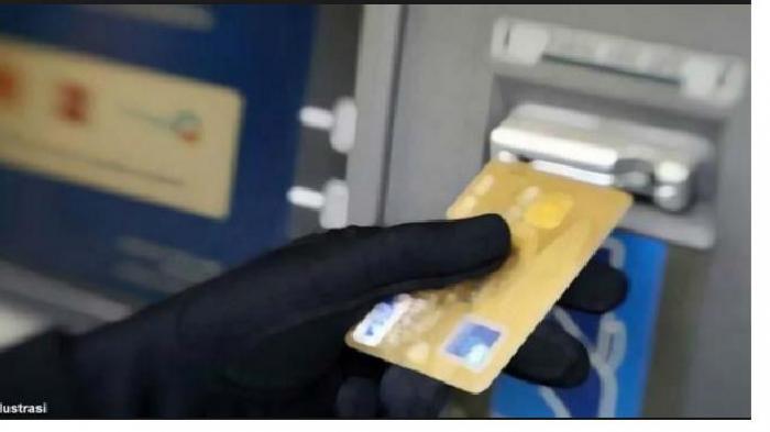 VIDEO Pembobol ATM Diamuk Massa, Mobilnya Hancur, Uang Diambil Tanpa buat Saldo Rekening Berkurang
