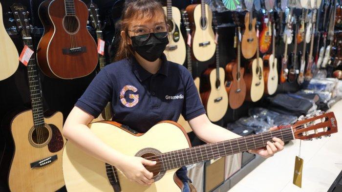 Chord Gitar dan Lirik Sepanjang Jalan Kenangan - Tetty Kadi, Sengaja Aku Datang ke Kotamu