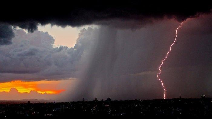 Waspada Cuaca Ekstrem Rabu 7 April 2021, BMKG: 19 Daerah Ini Potensi Hujan Lebat dan Angin Kencang