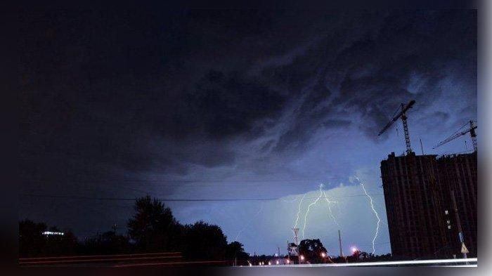 Prakiraan Cuaca BMKG Untuk Sabtu 5 Oktober 2019, Sejumlah Daerah Diguyur Hujan Petir Pada Malam Hari