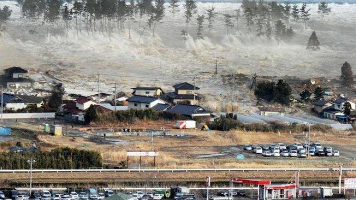 ilustrasi gempa dan tsunami yang terjadi di jepang/foto tahun 2011