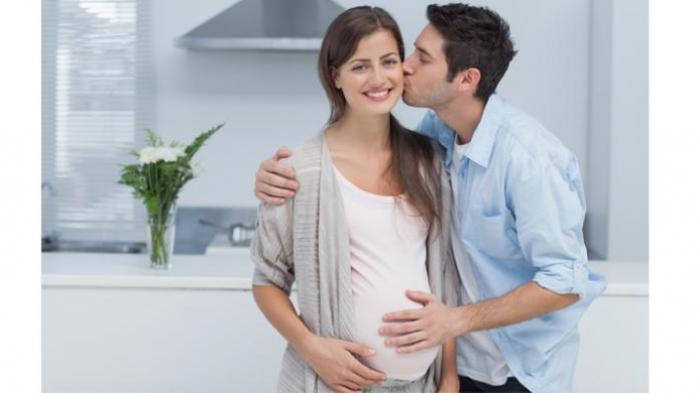 Posisi Bercinta Yang Aman Buat Moms yang Lagi Hamil