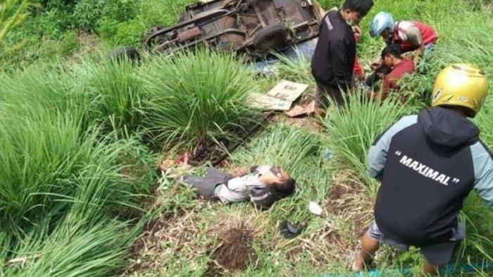 Kecelakaan Maut, Dua Orang Tewas usai Motor Berboncengan Tiga Masuk Jurang Sedalam 20 Meter