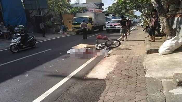 Kecelakaan Maut, Pria Tua Pesepeda Tewas Tergeletak, Korban Diserempet Mobil Lalu Ditabrak Motor