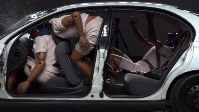 Kecelakaan Maut Tadi Pagi Pukul 07.00 Wita, Satu Orang Tewas Usai Mobil Innova vs Brio Bertabrakan
