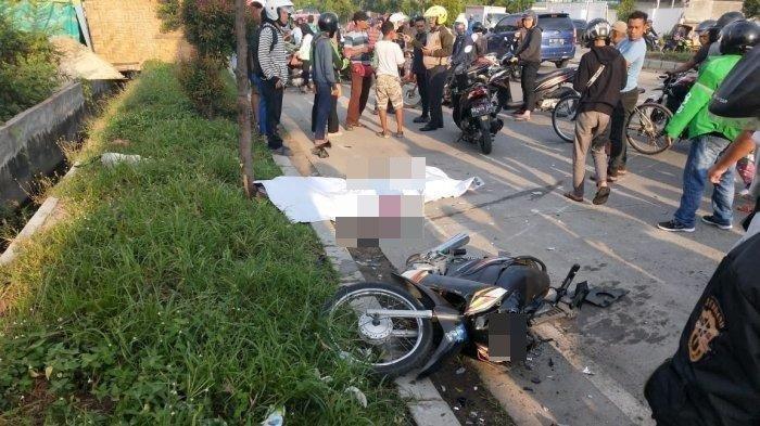 Kecelakaan Maut Tadi Pagi, Seorang PNS Tewas Seketika, Motor Korban Tertabrak Truk saat Menyeberang