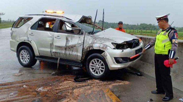 Kecelakaan Maut Tadi Pagi Seorang Penumpang Tewas, Mobil Terios Oleng Tabrak Pembatas Jalan