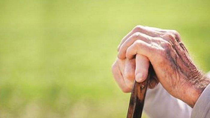 SEDIH-Kisah Seorang Lansia 73 Tahun yang Ditinggalkan Anaknya di Jalanan, Hingga Mengucapkan Hal Ini
