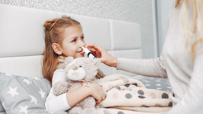 Moms, Berikut Ini Cara Membersihkan Hidung Si Kecil dengan Benar