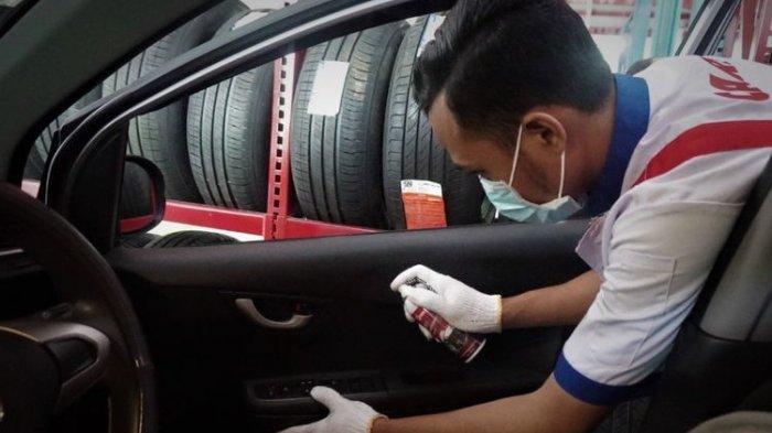 Cara Menggunakan Disinfektan pada Interior Mobil dengan Aman, Simak Disini
