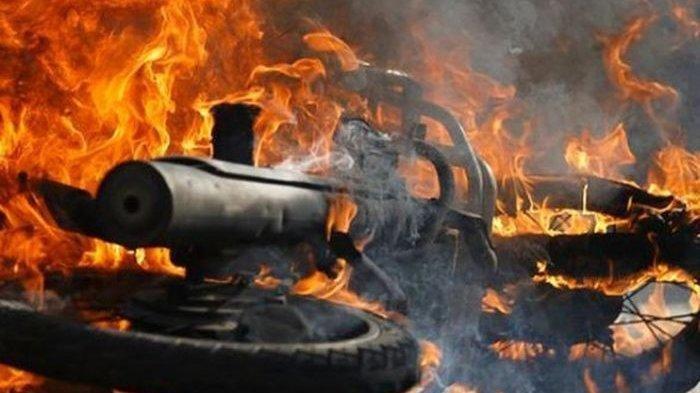 KEBAKARAN Tadi Jam 10, Sepeda Motor Matic Terbakar, Ini Penyebabnya