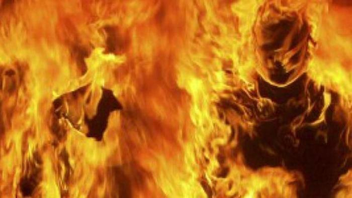 ILUSTRASI - Orang terbakar