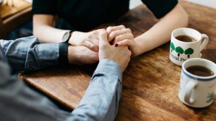 ILUSTRASI Pasangan PACARAN ((Elite Daily))