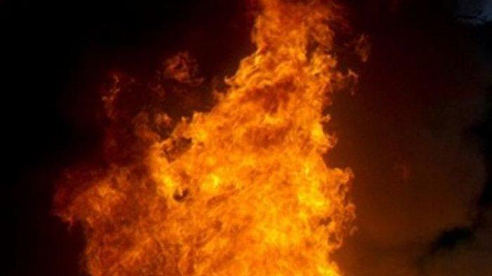 Pria Ini Beli 1 Botol Bensin, Lalu Mengurung Diri di Kamar, Dia Kemudian Ditemukan Sudah Terbakar