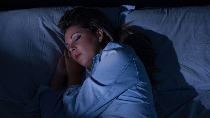 Tidur Malam Tanpa Cahaya Lampu Baik untuk Kesehatan, Mengapa Demikian?
