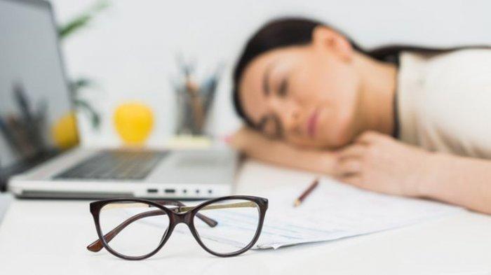 Ilustrasi tidur, kantuk di siang hari