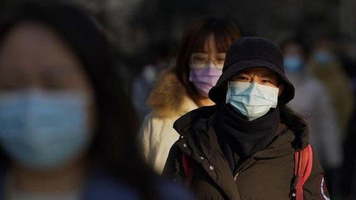 Gebrakan China Tes Swab Covid-19 Melalui Bagian Layak Sensor Tubuh, Wanita Ini Dites Malu-malu
