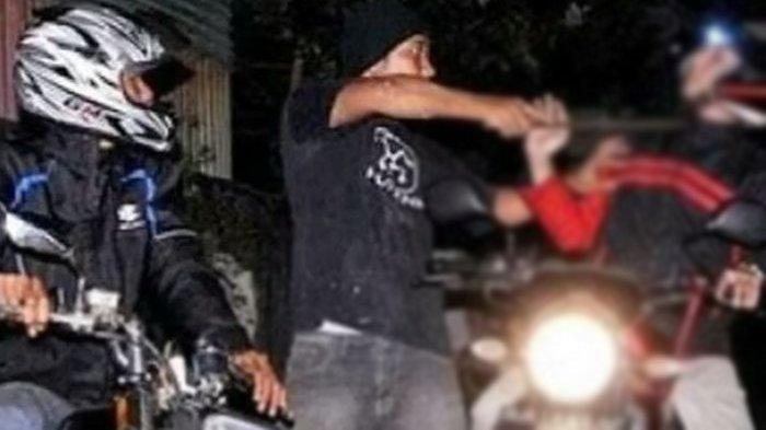 Kakak Tebas Leher Adik Kandungnya Sendiri dengan Golok karena Tak Dipinjami Sepeda Motor