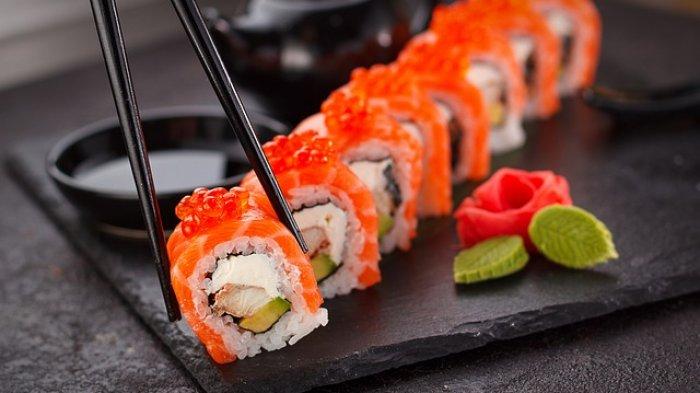 Dijamin Ketagihan, Nikmatnya Menyantap Sushi Saat Hangout di Malam Minggu