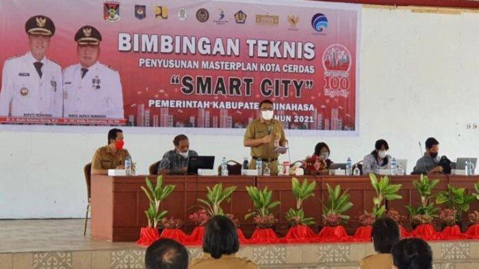 Kadis Kominfo Minahasa Buka Bimtek Penyusunan Smart City
