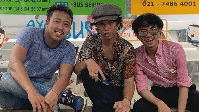 Indro Warkop Asli Semprot Tiga Pemuda Mirip Dono, Kasino, Indro Alias Warkop KW