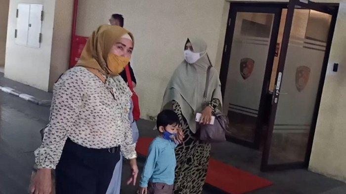 Ingat Iqlima Ayu Istri Ustad Maaher Yang Datangi Bareskrim Polri Terpukul Dengar Suami Meninggal Tribun Manado