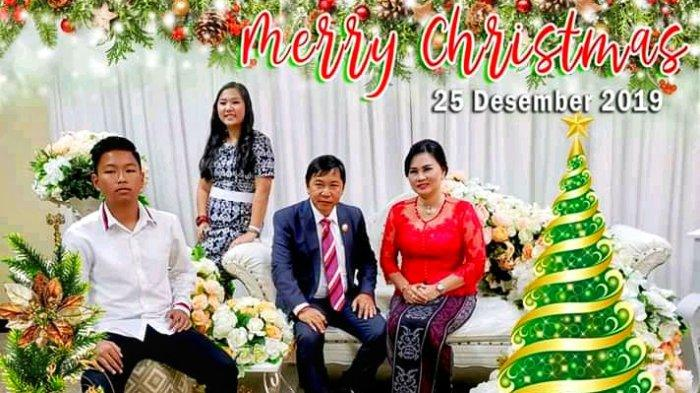 Ini Pesan Natal Bupati Mitra James Sumendap Bersama Keluarga
