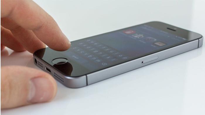 iphone-se-67545785.jpg